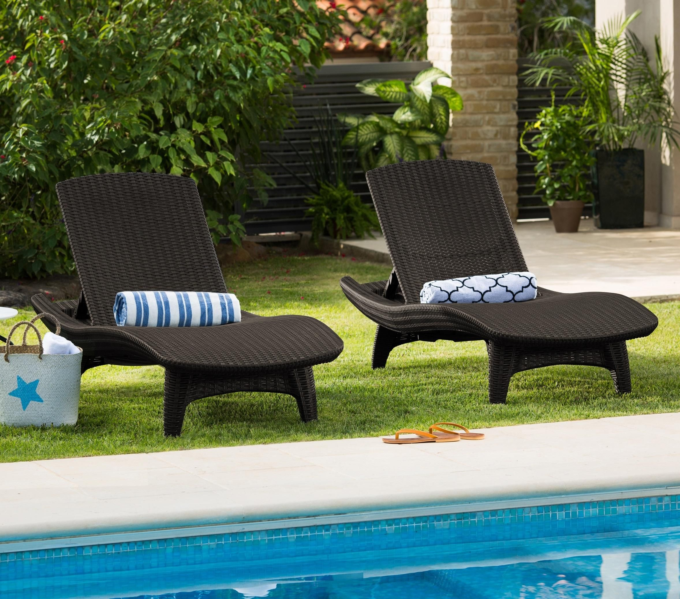 Keter resin plastic outdoor chaise lounge chairs set of 2