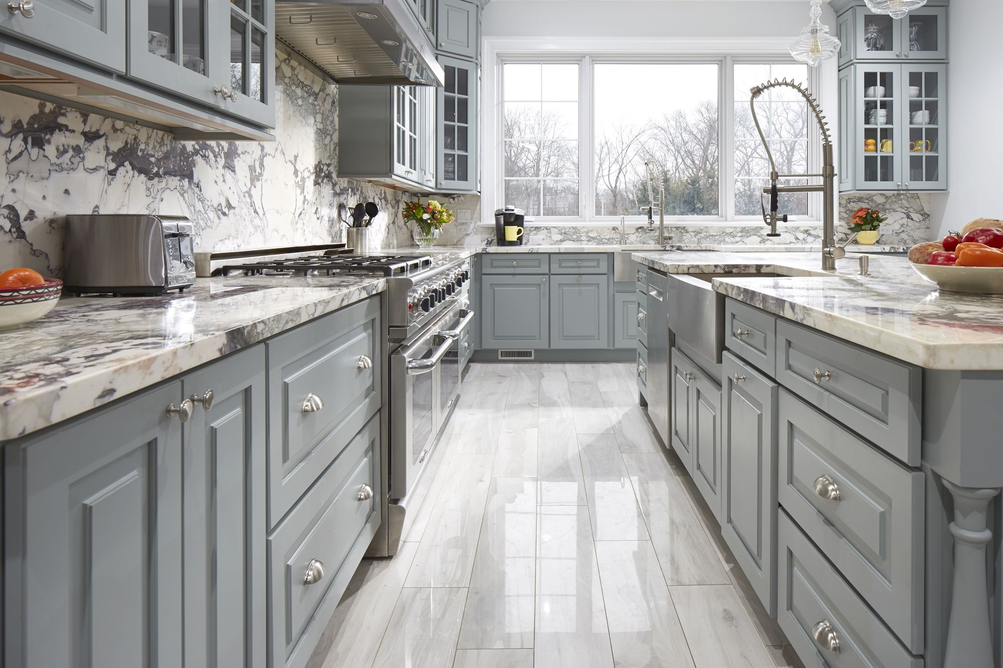 A Truly Magnificent Kitchen In Westchester County New York Uses Cliqstudios Cambridge Cabinets To Creat Kitchen Design Decor Gorgeous Kitchens Kitchen Remodel