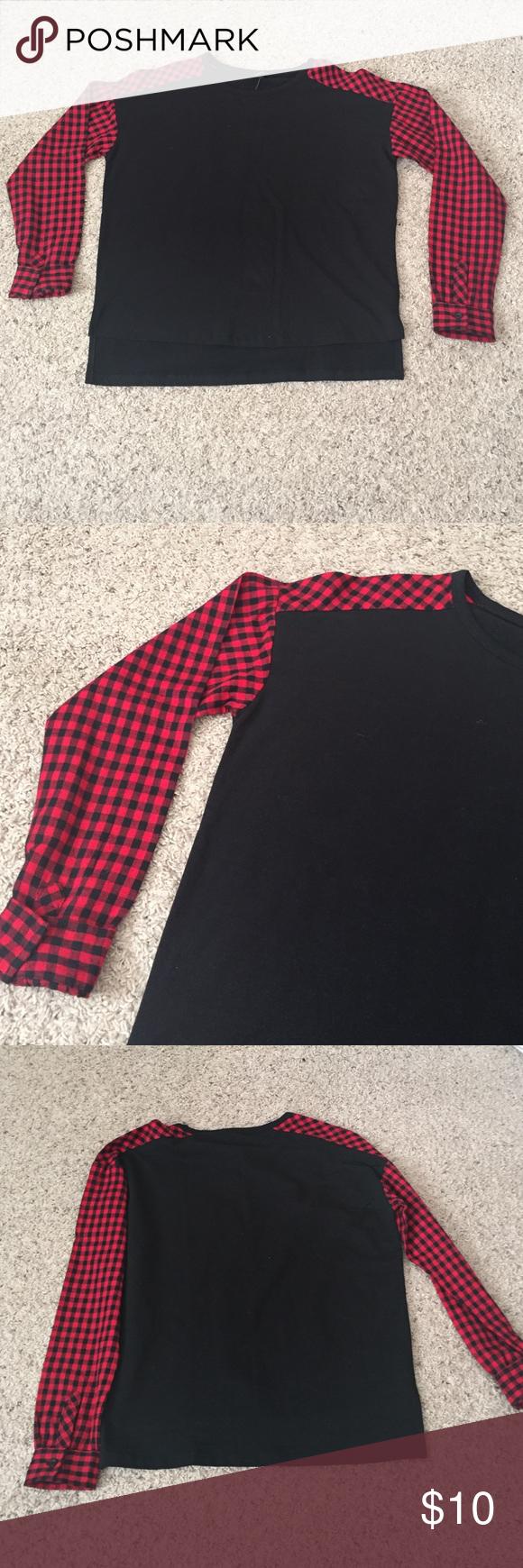 Long sleeve top, plaid sleeves Bundles available! Forever 21 Tops Tees - Long Sleeve