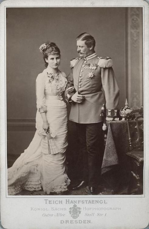 Anna Herzogin In Bayern Traumhochzeit Mit Ihrem Baron Am Tegernsee Herzog Hochzeit Bayern