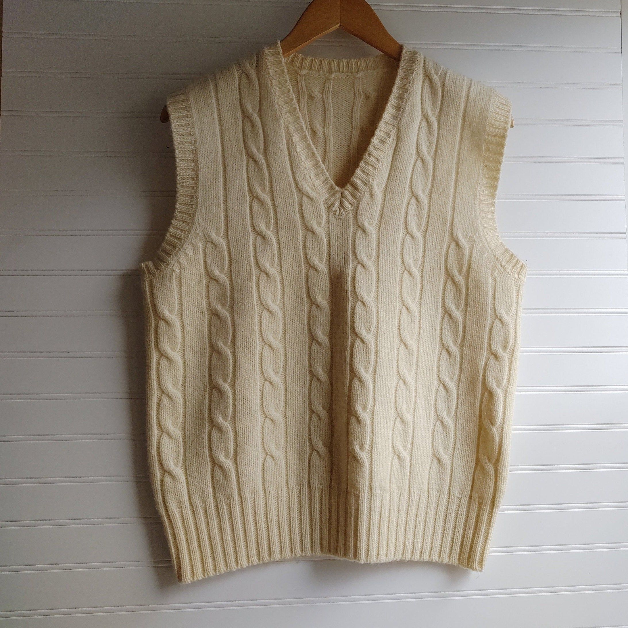 Men S Sweater Vest Medium Vintage Wool White Cableknit Pull Over V Neck Sweater Vest In 2020 Sweater Vest Outfit Women Sweater Vest Mens Sweater Vest Outfit