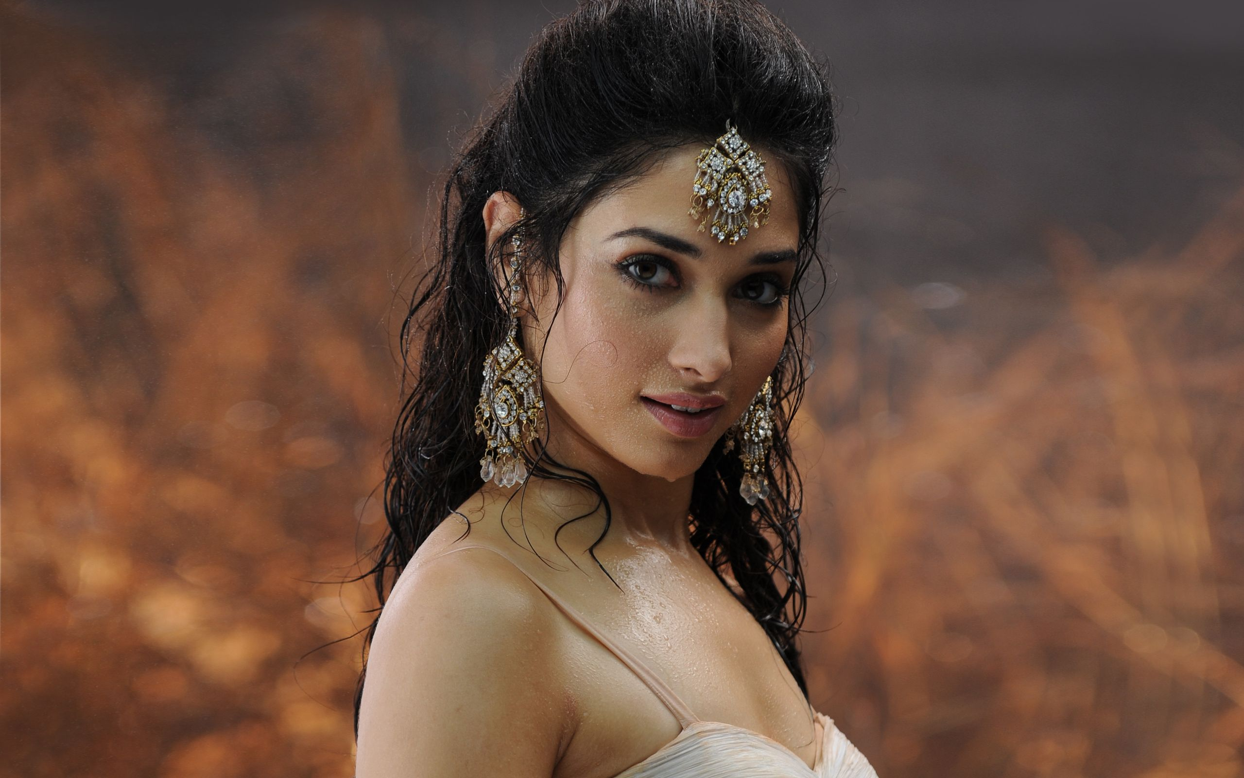 Tamanna Bhatia Hot wallpaper for download