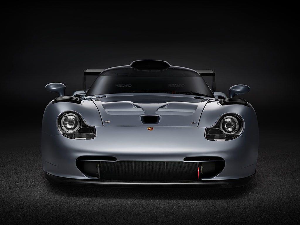 Porsche Gt1 Evolution Chassis No Gt1 993 117 Is The Only Road Registered Gt1 Sold For 2 772 000 Porsche Gt Porsche 911 Porsche