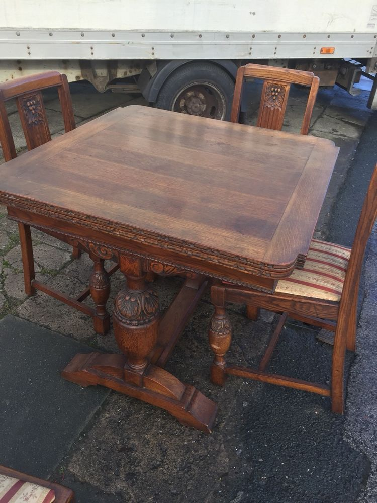 Antique Oak Draw Leaf Extending Dining Table And 4 Matching Chairs