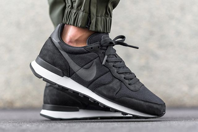 official photos e58b5 e9253 NIKE INTERNATIONALIST (TECH FLEECE PACK) - Sneaker Freaker