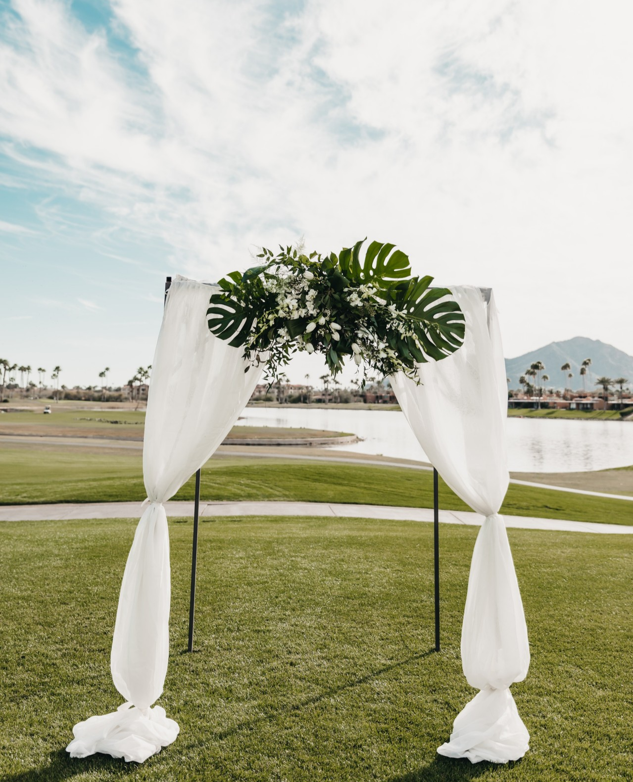 This Fresh And Ethereal Arbor Features The Trendy Monstera Leaf