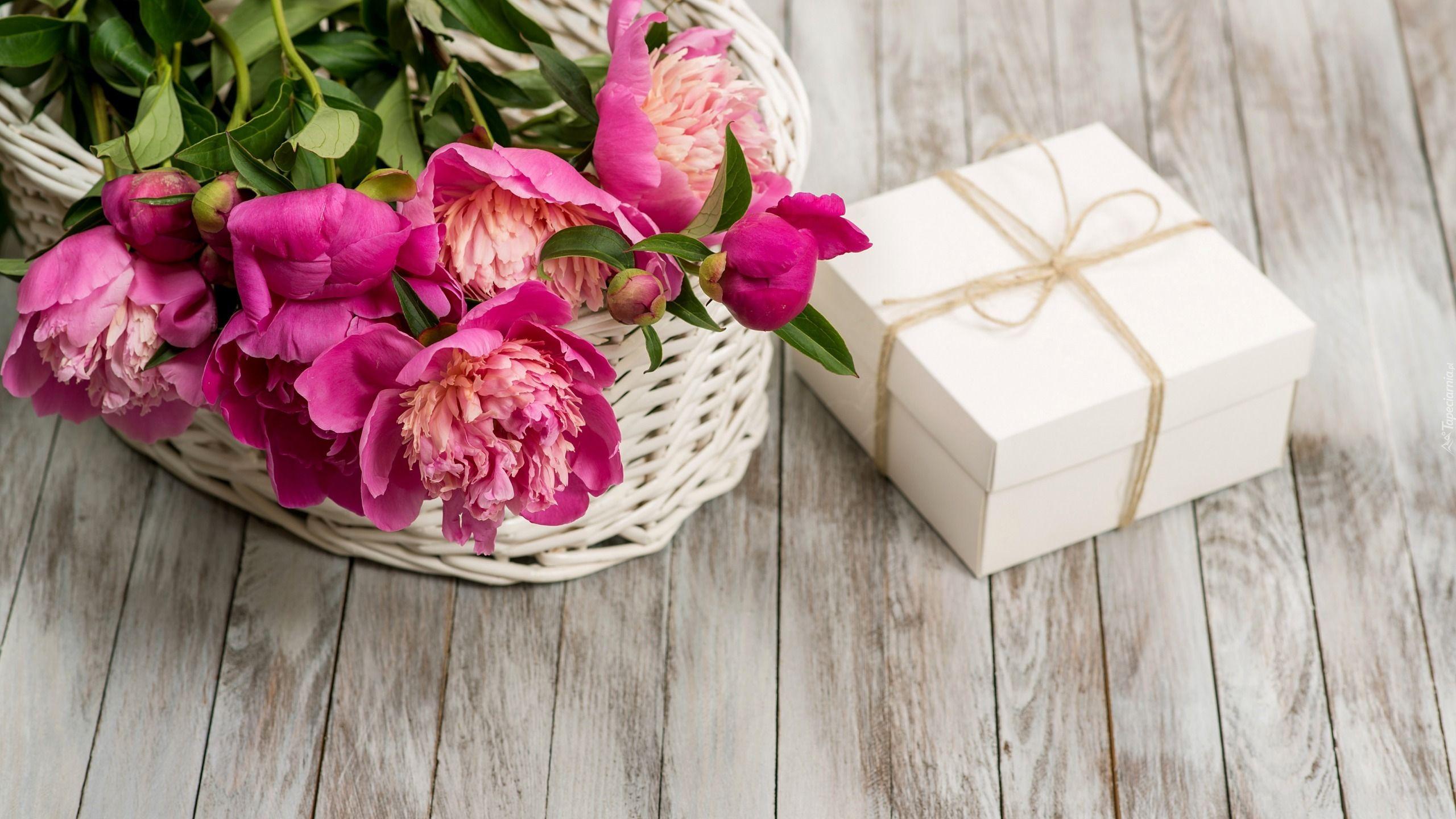 Rozowe Piwonie Koszyk Deski Prezent Flower Phone Wallpaper Peony Gift Beautiful Flowers