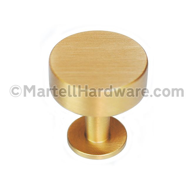 This brushed brass finish solid brass cabinet knob with round disc design is part of the Disc Knob Series from Lew's Hardware. This knob features a simple geometric design that can be used in a traditional or modern setting.