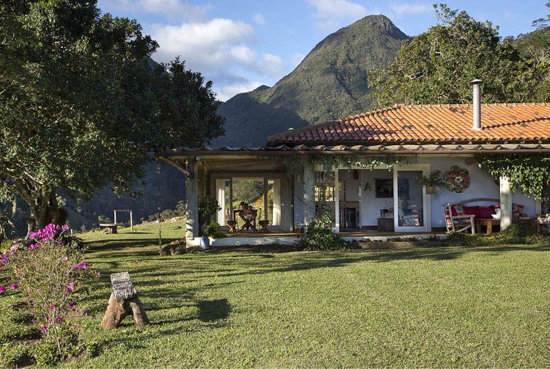 adelaparvu.com despre casa de vacanta la munte in Brazilia, arhitectura  Renata Bartolomeu (5)