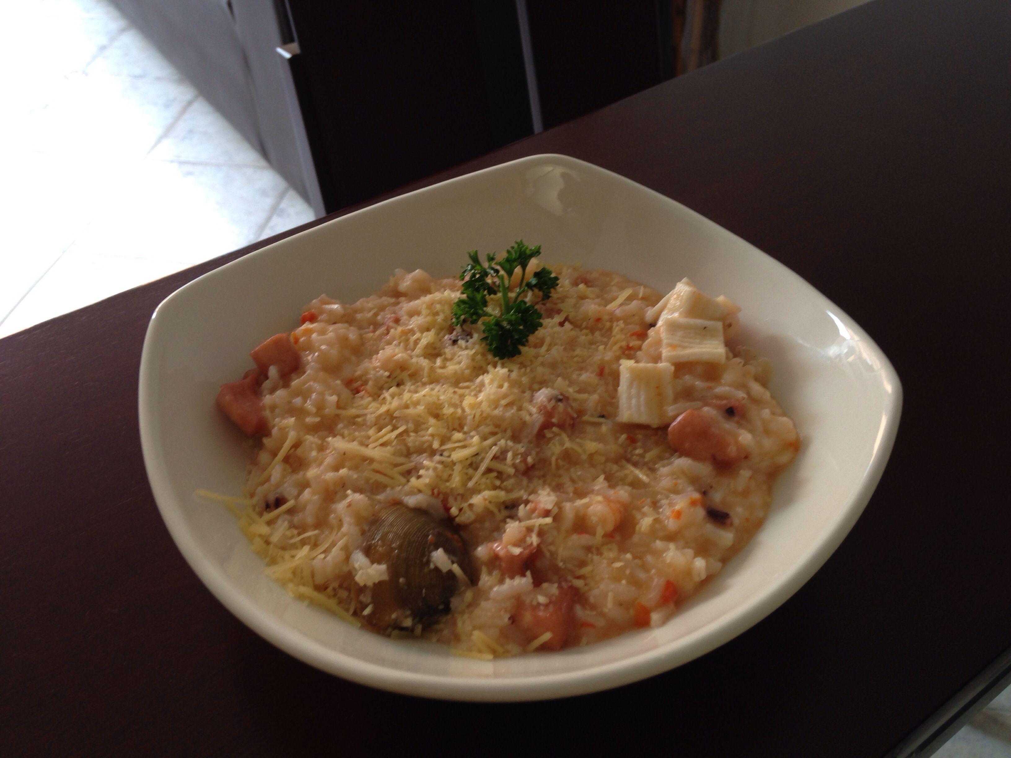 Risoto de frutos del mar (camarones, calamar, pulpo y almejas)