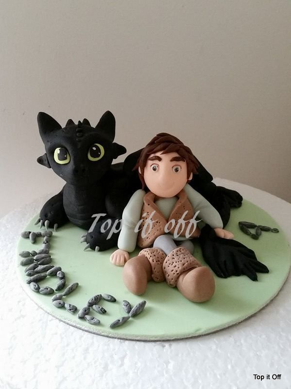 Toothless & Hiccup edible personalised cake topper (How to ...