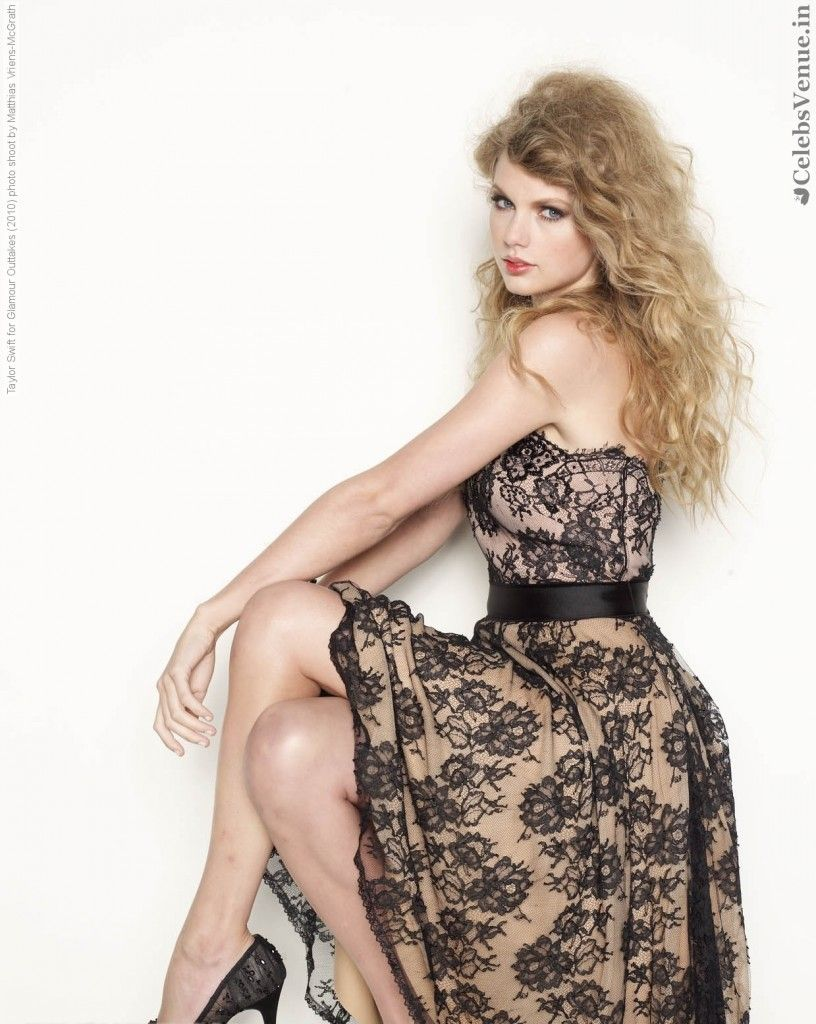 New Hot Glamour Photo Shoot of Denise Milani ~ HQ