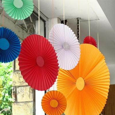 pleated paper party decorations {diy decorations} | 918 summer