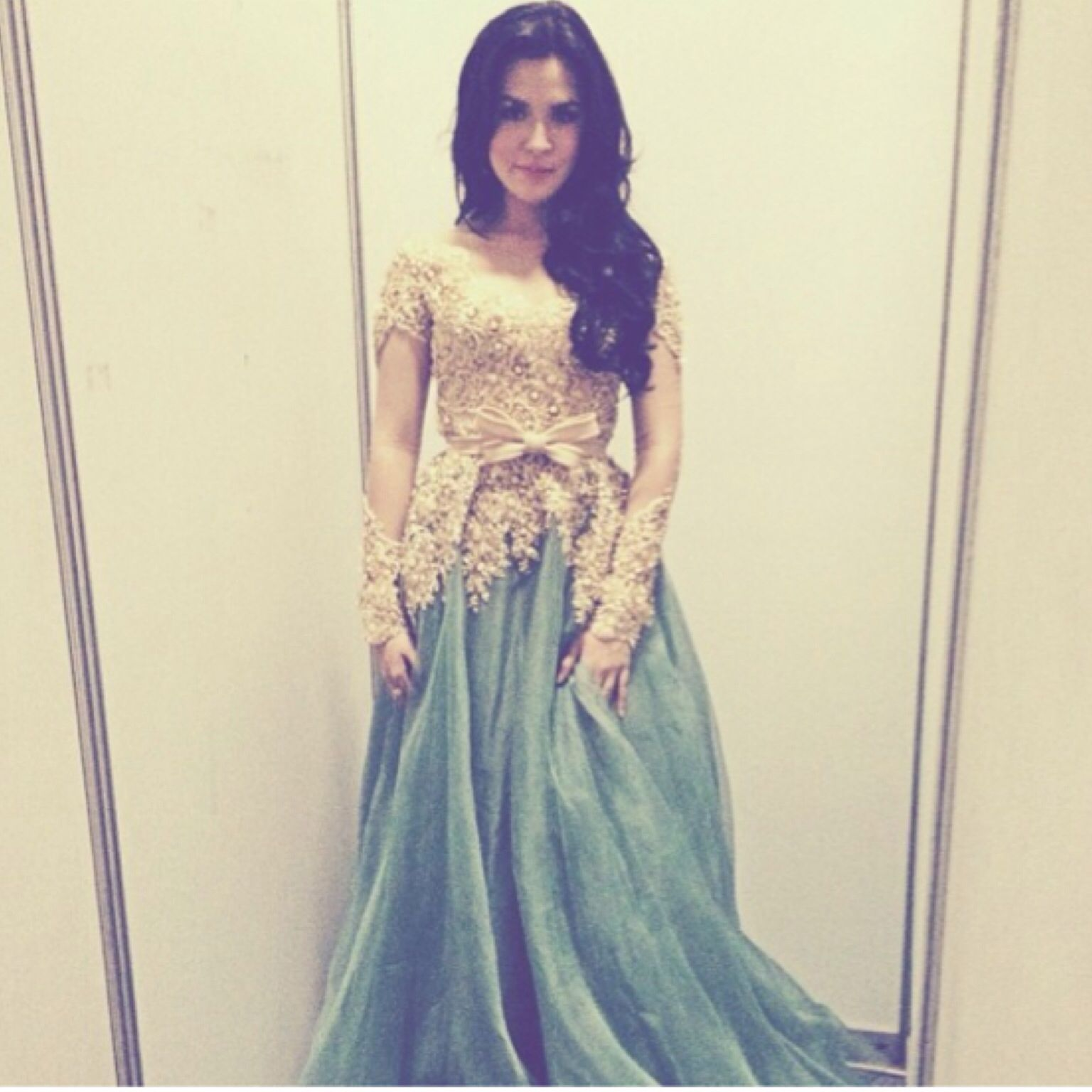 Beautiful kebaya dress used by beautiful lady Raisssaaaa