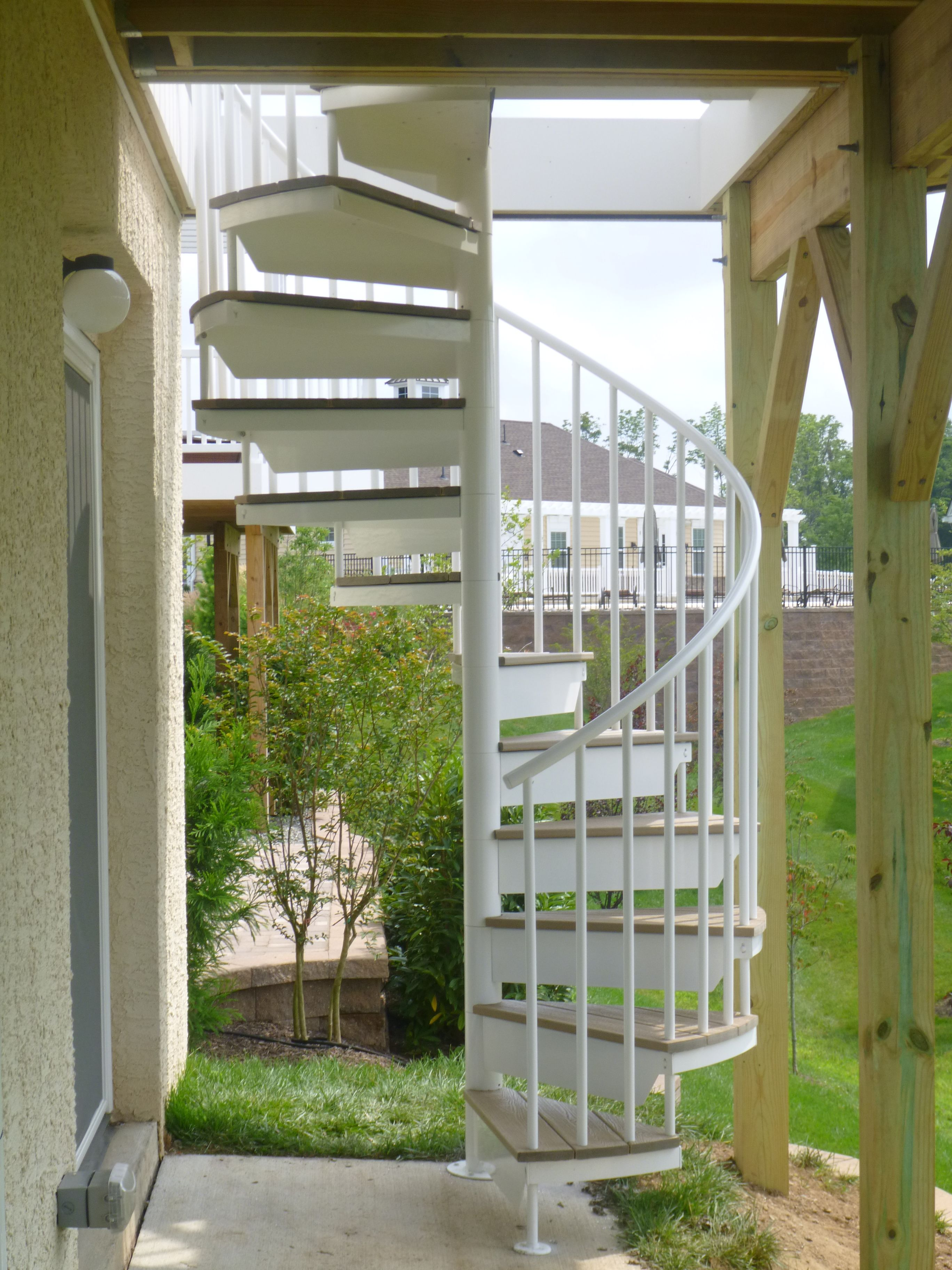 Aluminum Powder Coated Spiral Stair With Composite Decking Treads