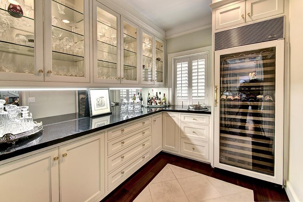 Butlers pantry will help you be the perfect host
