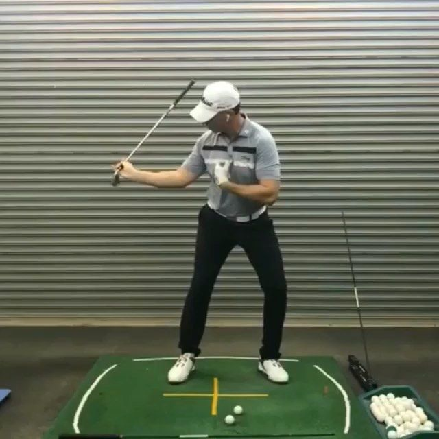 Golf Tips For Power – The Right Elbow and Shoulder Turn for More Power!