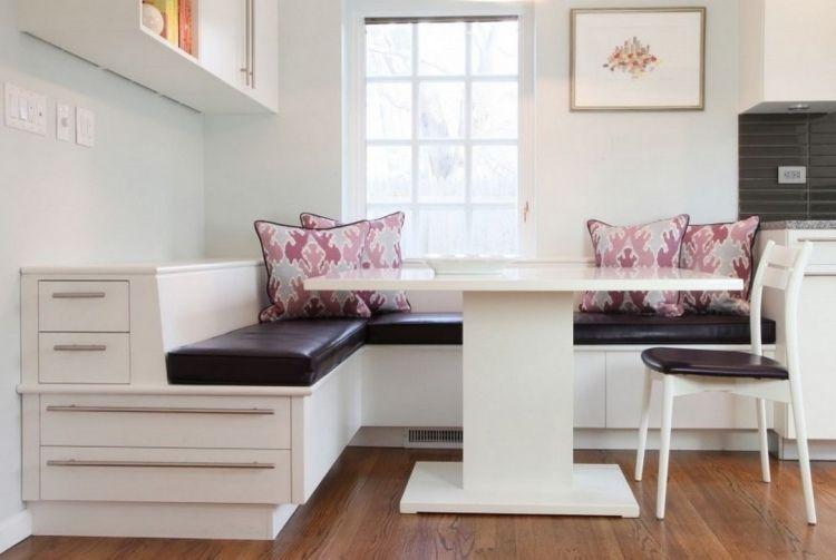 praktische Sitzbank mit viel Stauraum und Sitzkissen aus dunklem ...