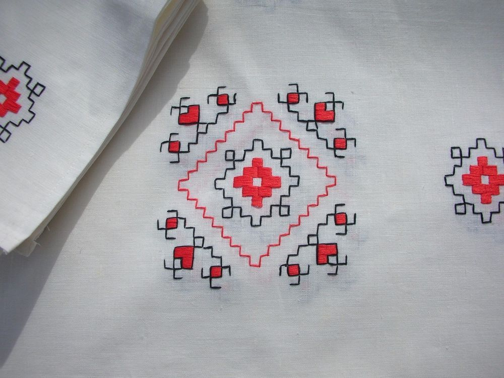 Unused Southwest Design Linen Tablecloth Red Black Embroidery 6