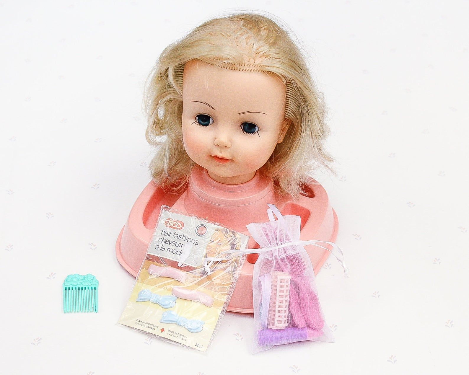 Reliable Doll Head Styling Center Doll Hair Styling Kit Vintage Girl Gift 70s Doll For Girl Doll Styling Girl Doll Vintage Doll In 2020 Doll Hair Doll Head Hair Styles