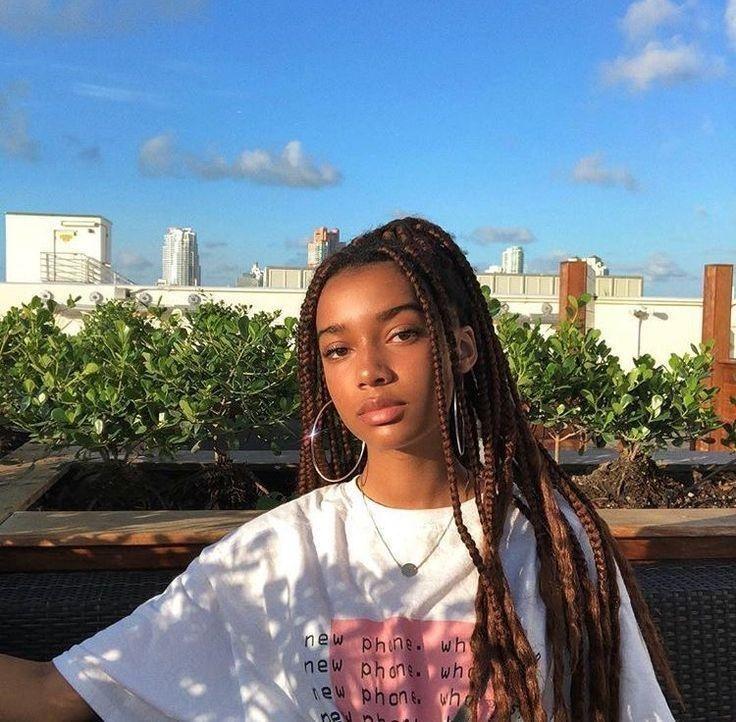 Trenzado de cabello africano: cabello largo plateado