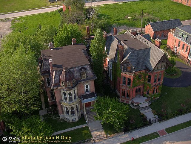 Woodward East Historic District Brush Park Detroit Michigan Usa The House On The Left Is Known