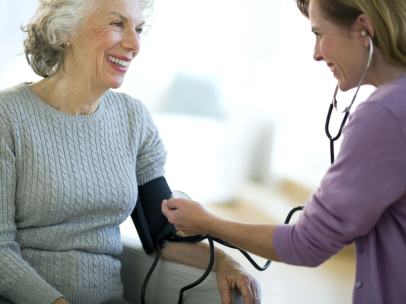 5 Tips for Choosing the Best Family Doctor You Can Find