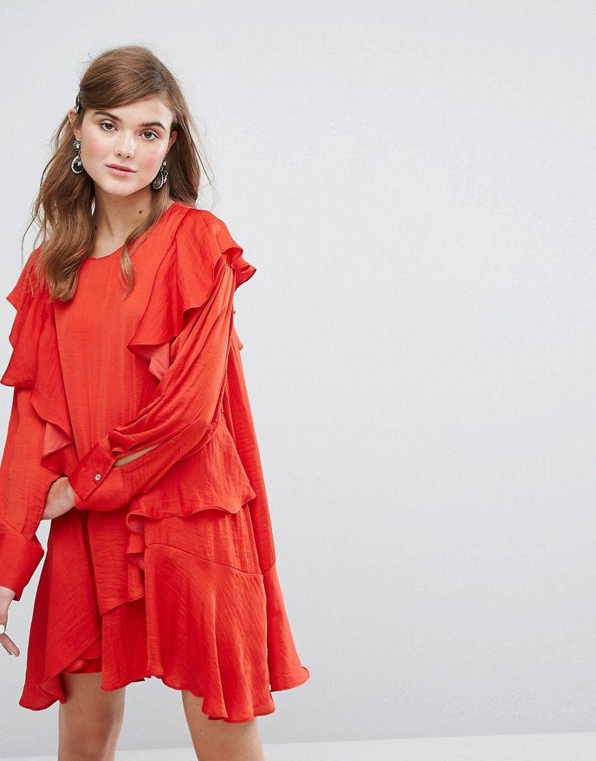 Rotes langarmliges kleid