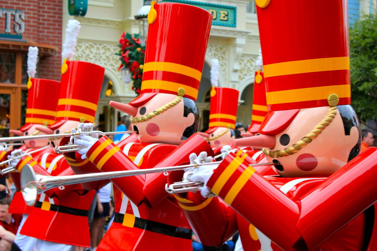 Seeing these guys in person for the first time last year was such a great Disney moment ...