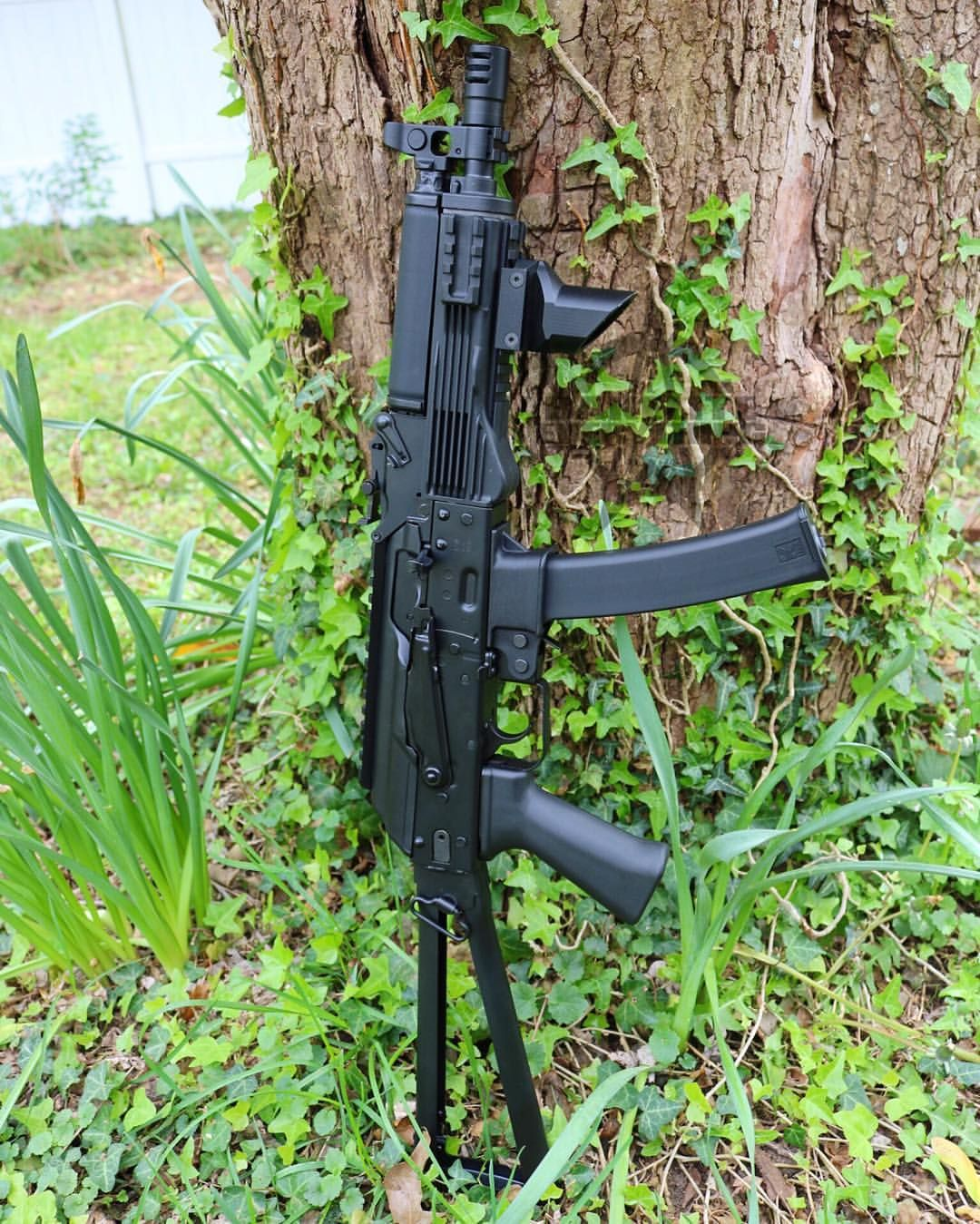 Fitted An Ak9 Handguard On The Kalashnikovusa Kp 9 And Put A Zenitco Official Rk 6 Foregrip On It Talk About Controllability In 2020 Guns Instagram Firearms