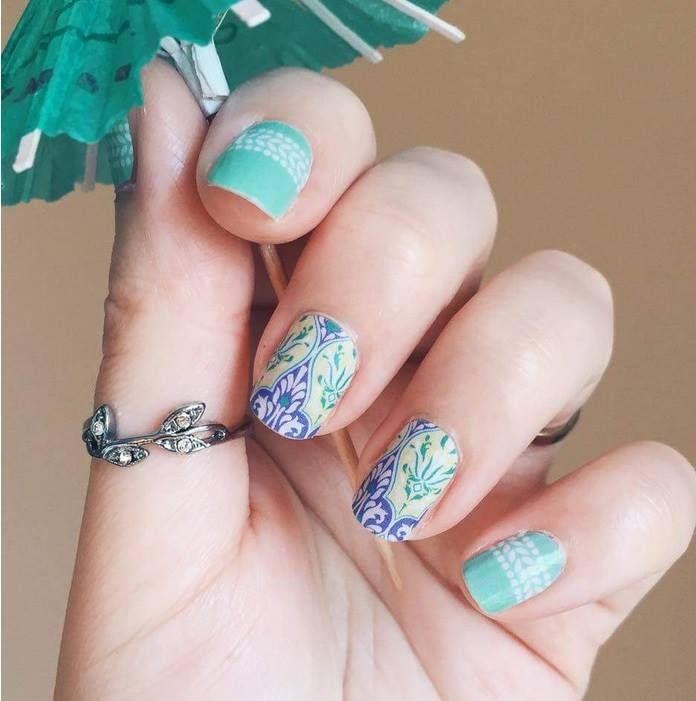 | ROAR VIBE LONDON | Decor nail. Pin via - http://www.azessinnails.com