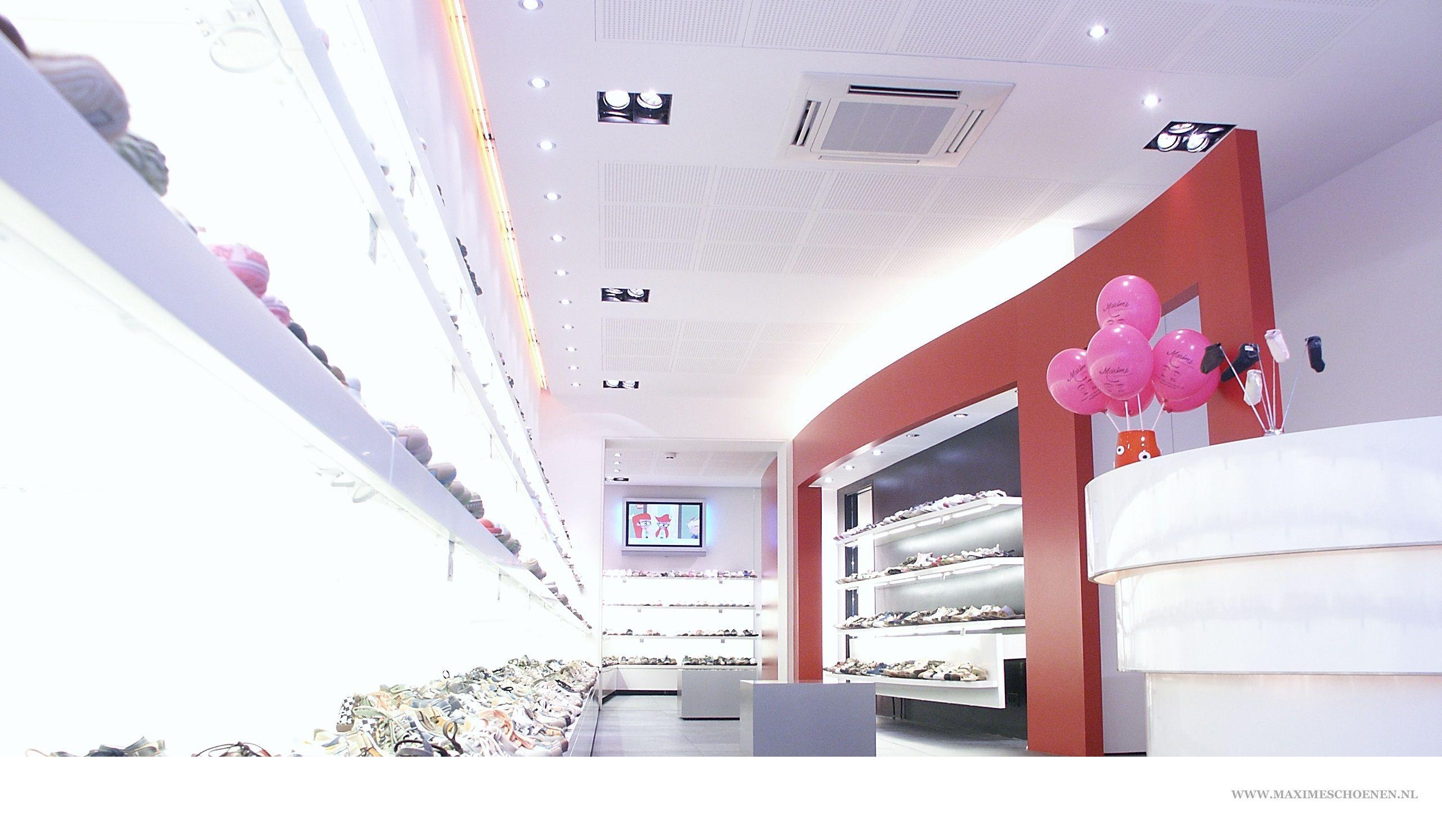 Onze schoenenwinkel Maxime schoenen gevestigd op adres