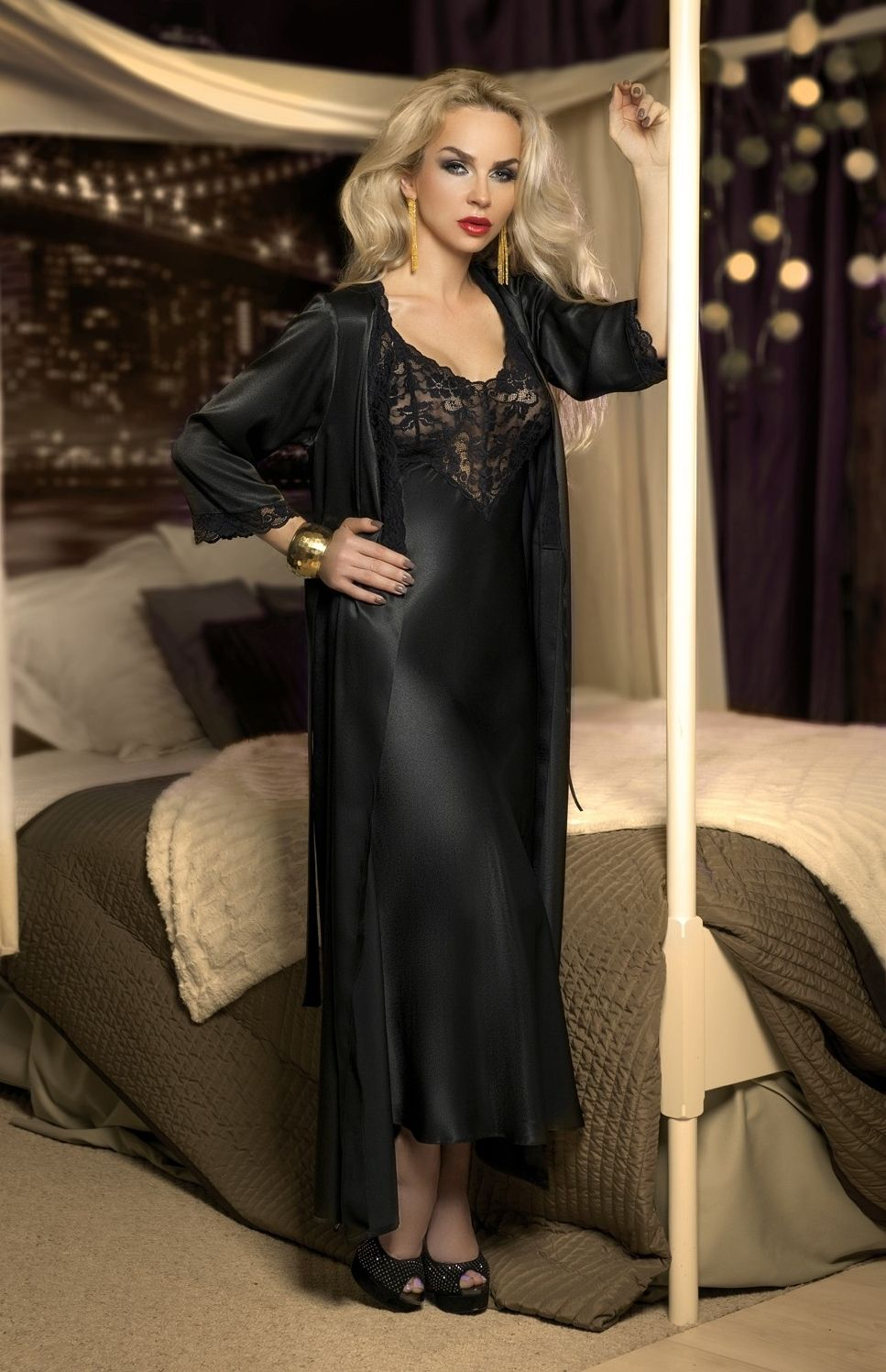 spectaculaire longue chemise de nuit longue noire en satin et dentelle nightdress pinterest. Black Bedroom Furniture Sets. Home Design Ideas