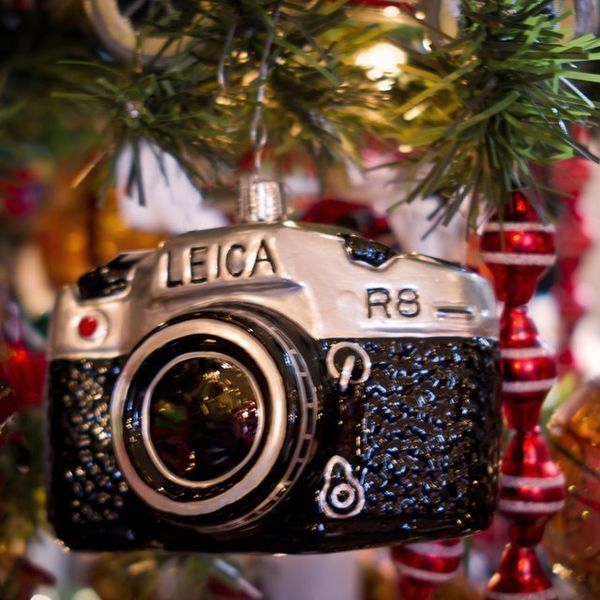 This Leica Camera Ornament is Perfect For Photo Enthusiasts #christmas # ornaments trendhunter.com - Shutterbug Christmas Ornaments Unique Christmas Tree Ornaments