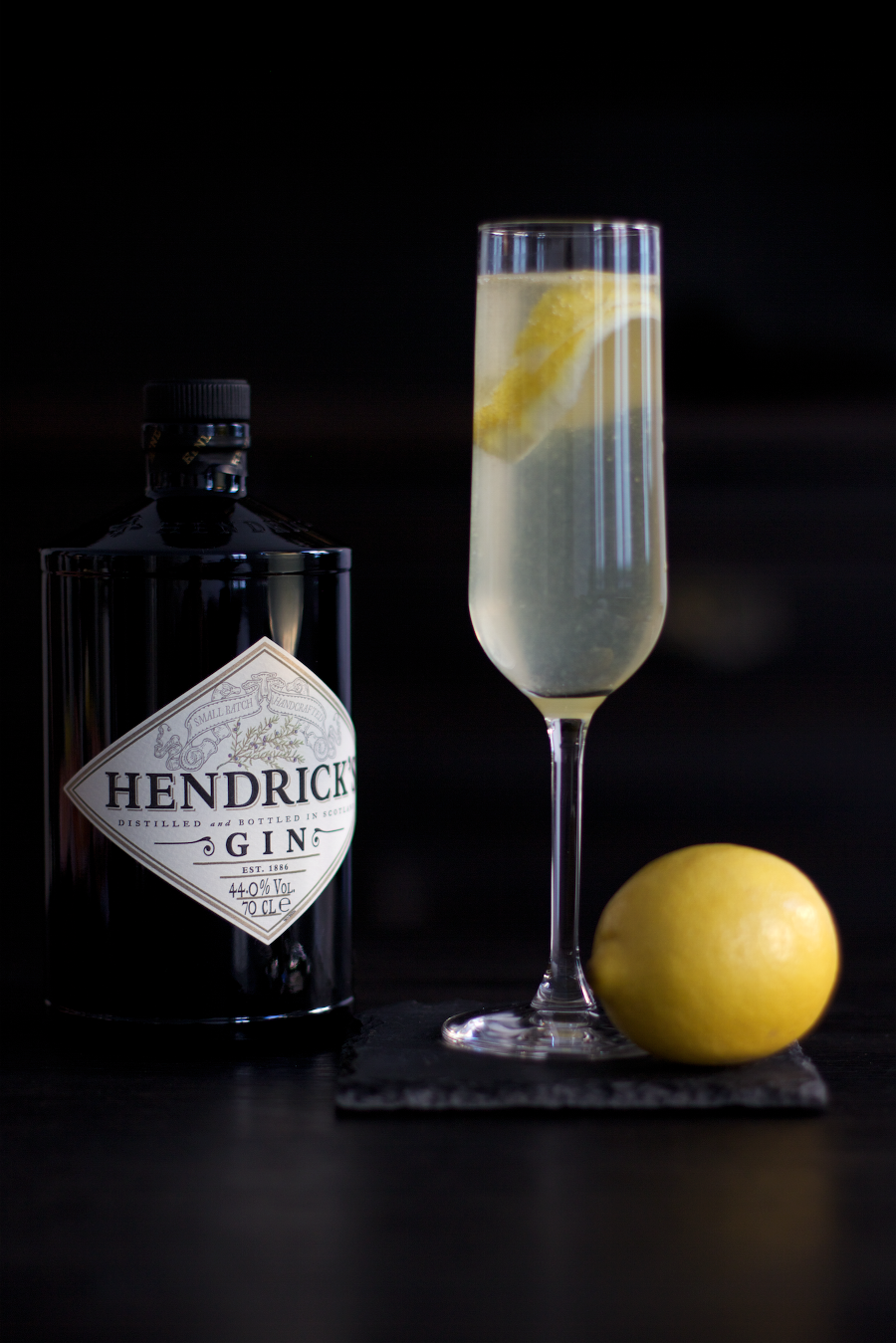 recipe happy new year with french 75 cocktail with hendricks gin cocktail rezepte cocktails. Black Bedroom Furniture Sets. Home Design Ideas