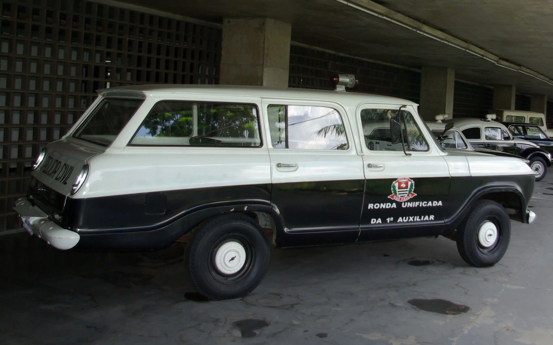 Todos Os Tamanhos Antiga Viatura Chevrolet Veraneio Da Policia Civil De Sao Paulo Flickr Compartil Chevrolet Veraneio Carro De Policia Carros E Caminhoes