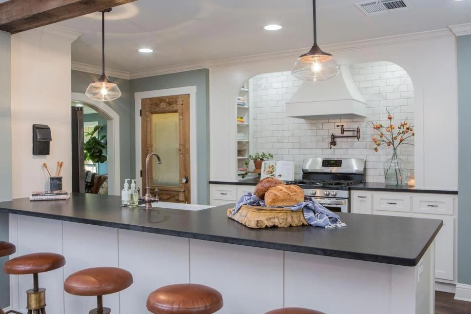 Chip And Joanna Face A Big Challenge In The Form Of A Limited Budget For A Ranch Home Remodel In Mex Budget Kitchen Remodel Fixer Upper Kitchen Kitchen Remodel