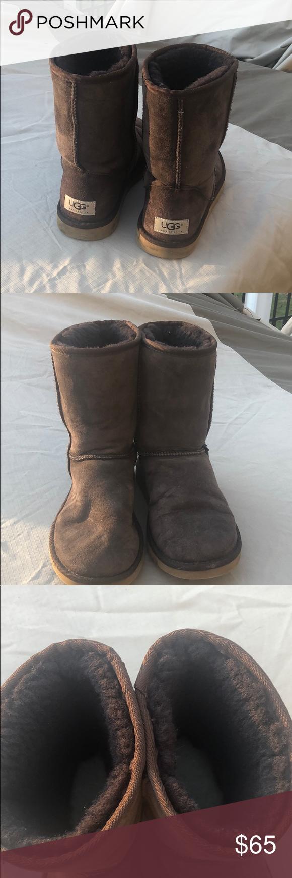 SALE! EUC Chocolate Classic Ugg boots