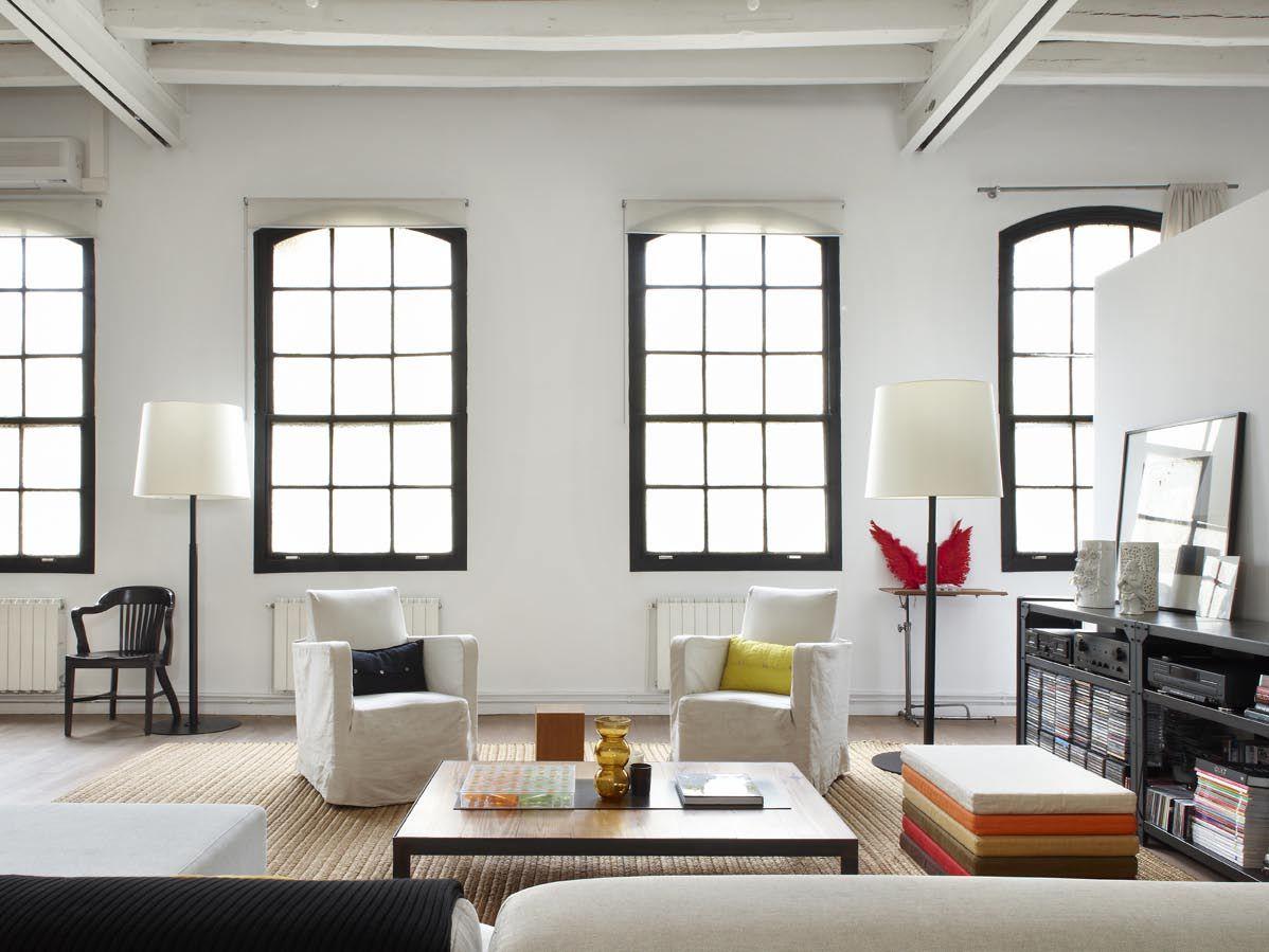 TrendHome: Modern & Industrial White Loft in Barcelona