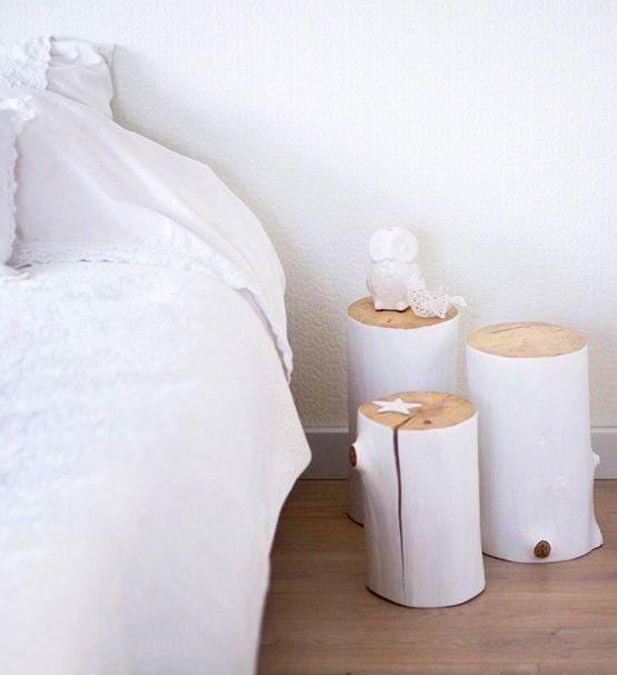 rondin de bois peints en blanc table de chevetteckrondin - Mini Table De Chevet