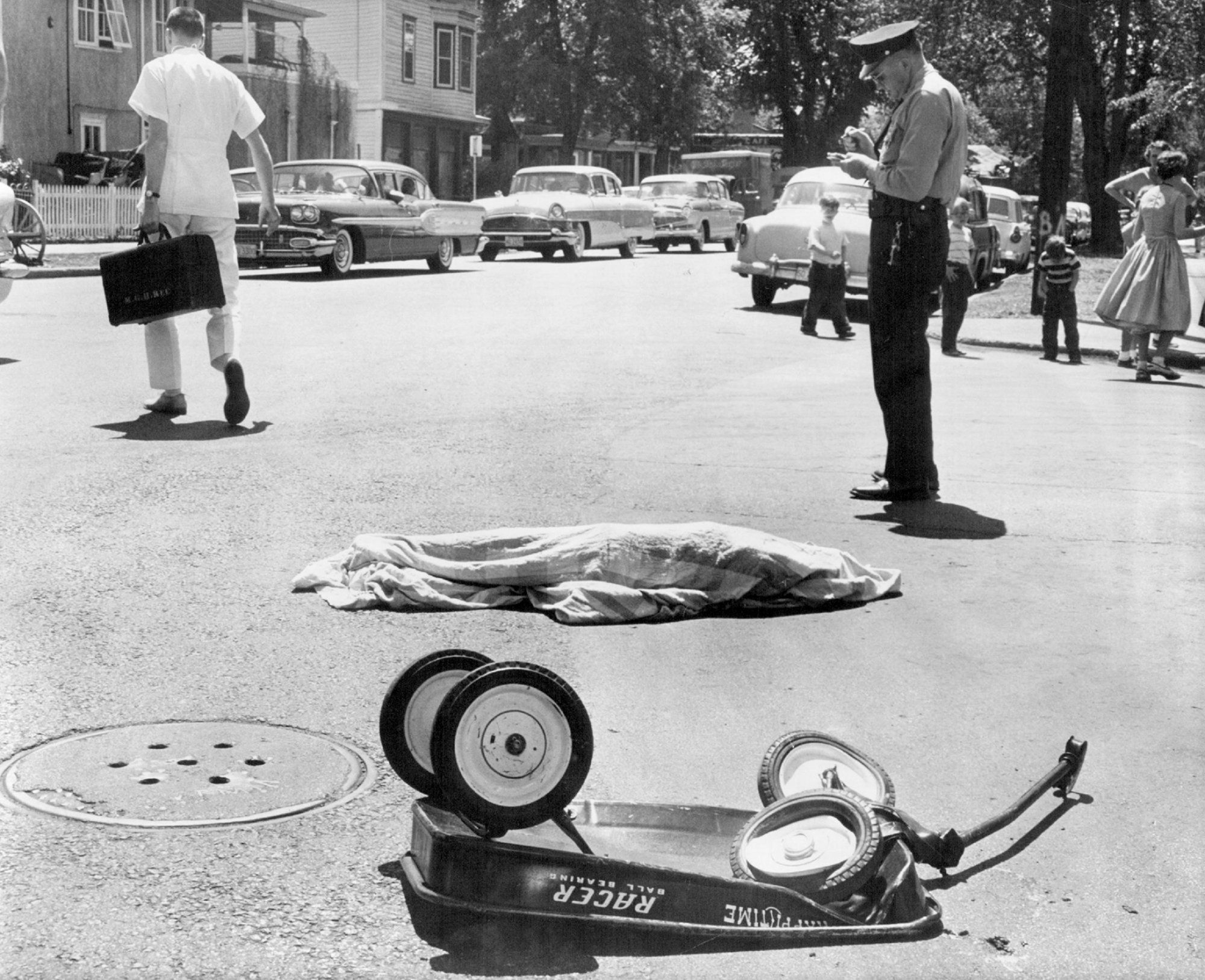 1959 William Seaman Of Minneapolis Star For His Dramatic Photograph The Sudden Death A Child In Street