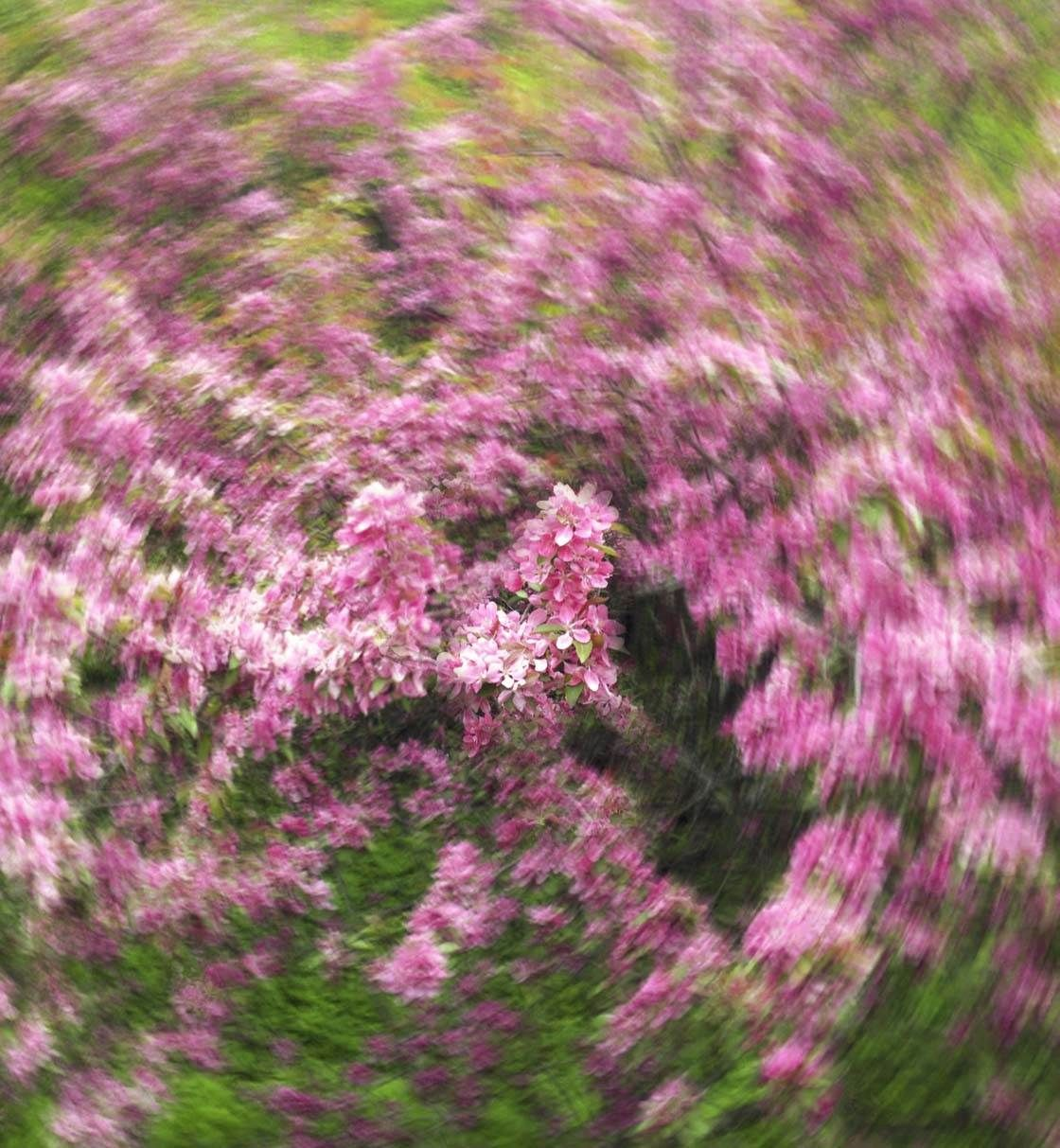 How to create beautiful slow shutter abstract photos on