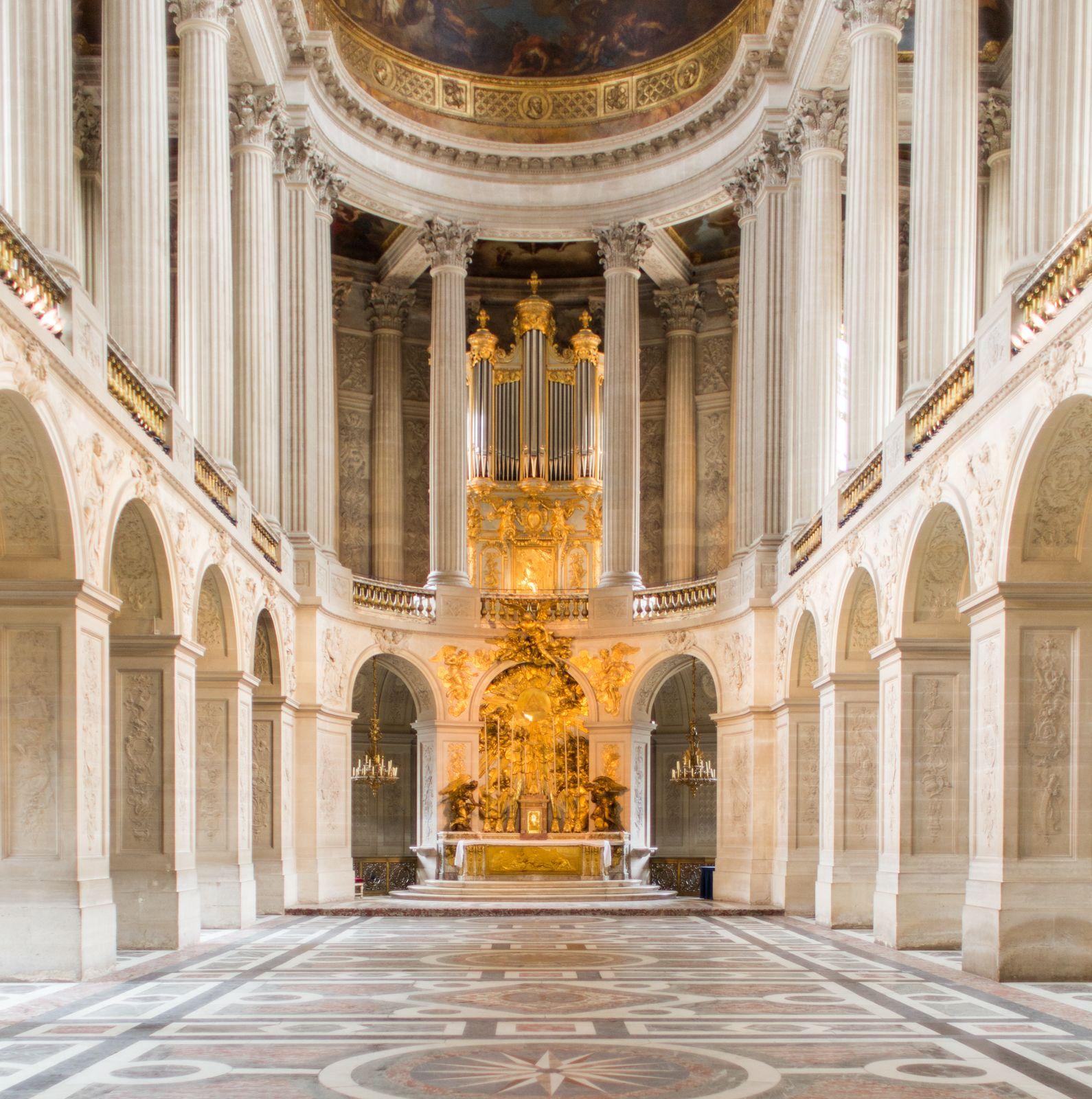 Paris Apartments Versailles: Ladurée X Château De Versailles #maisonladuree #castle