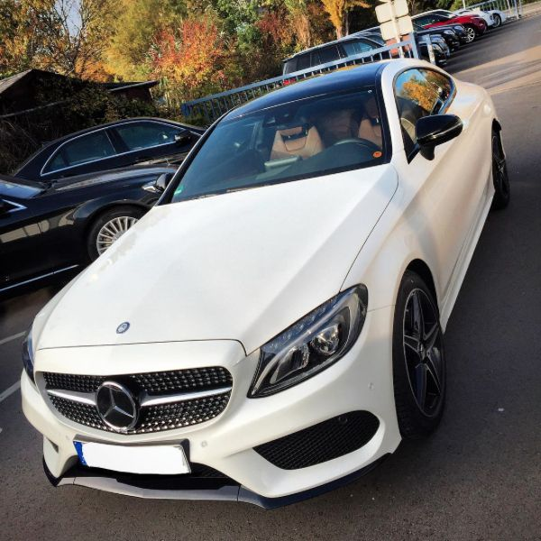 Mercedes Benz C300 Sport: Mercedes-Benz C 300 Coupé (Instagram @chrissagramola