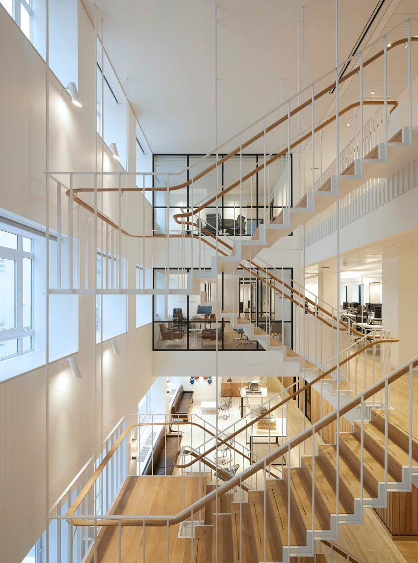 Best Piercy Company Suspends Staircase In New Atrium Of 400 x 300