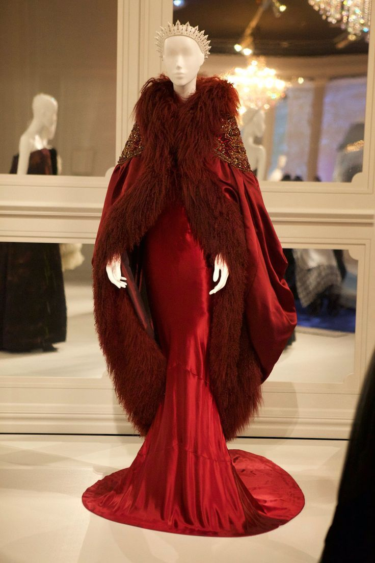 NGVs The House of Dior: 70 Years of Haute Couture