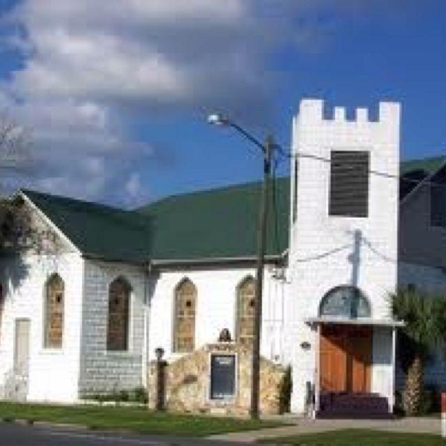 Gay and lesbian churches