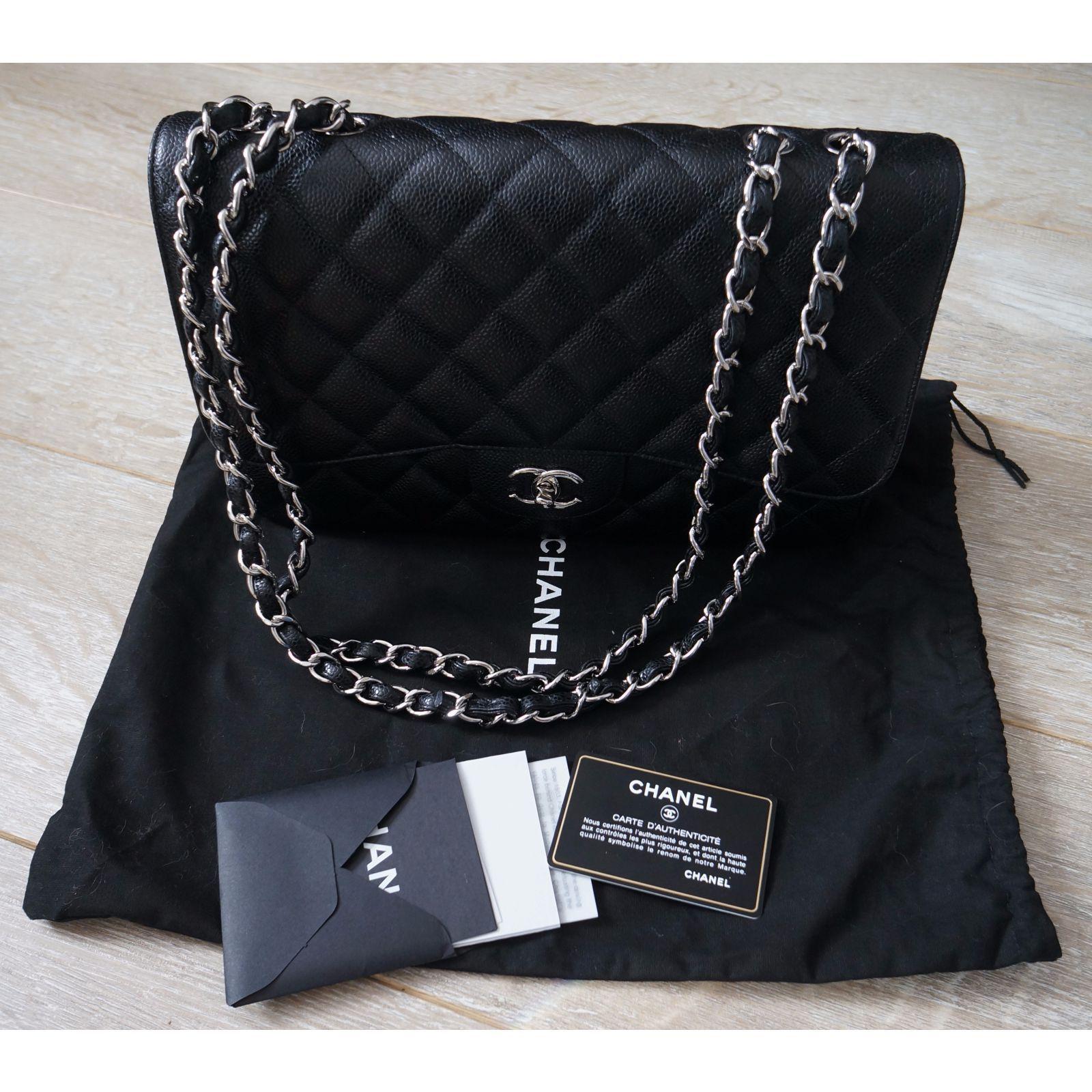 Sac Chanel Jumbo simple flap en cuir caviar noir et attributs argent. -  Etat neuf avec son dustbag et carte d authenticité - Hologramme - Booklet -  Dustbag, ... 33ea26d1fd2