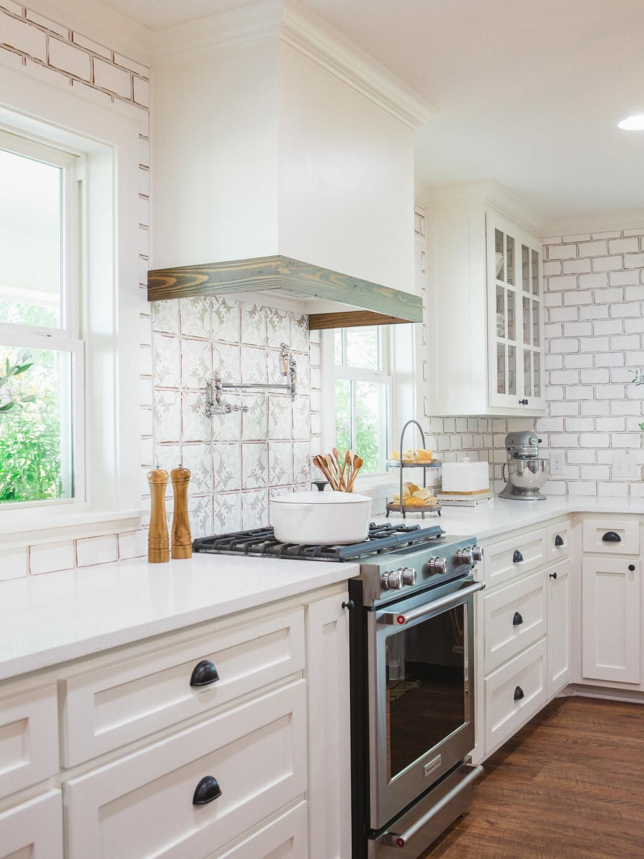 Photos Hgtv S Fixer Upper With Chip And Joanna Gaines Hgtv European Farmhouse Kitchen French Country Kitchen Country Kitchen Designs