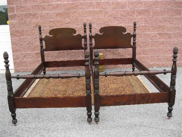 Antique Mahogany Pineapple Post Twin Beds Set 2 Twin Bed Twin